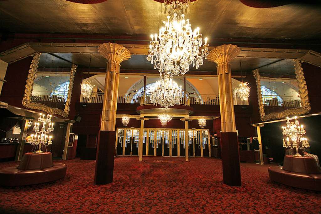 casino_de_paris_hall_napoleon_iii.jpg