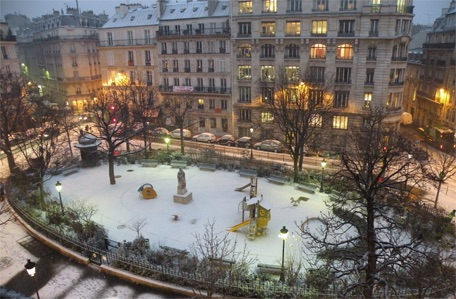 Snow on the Park-Neige sur la statue de Berlioz.jpg
